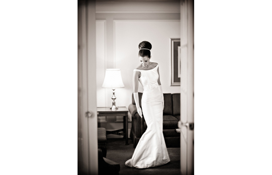 Stylish wedding photo by Jonetsu Photography, top Canada and destination wedding photographer
