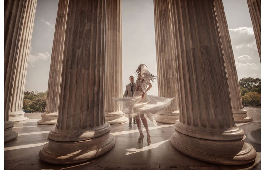Stylish wedding photos by Photopek, top Greece and destination wedding photographers