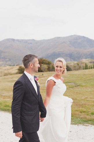 Mount Soho Winery, Queenstown - New Zealand real wedding - photography by: Kate MacPherson