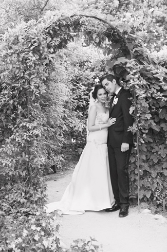 photos by: Christine Farah - Camarillo, CA, Maravilla Gardens wedding - Sterling Engagements - floral design by: Peony and Plum