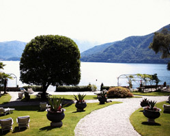 Hotel San Giorgio, Lake Como, Italy, destination wedding - photography by: Julian Kanz