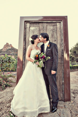 photos by: Joy Marie Photography - Saddlerock Ranch, Malibu, CA wedding