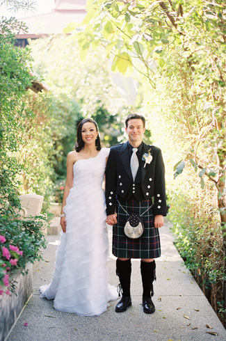 photos by top LA-based wedding photographer Caroline Tran - traditional Scottish and Thai multicultural wedding celebration - Siripanna Villa Resort and Spa, Chiang Mai, Thailand