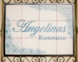 photography by New Jersey wedding photographer Jen Lynne Photography - Angelina's Ristorante, Staten Island, NY wedding