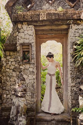 Bali Wedding At Alila Villas Uluwatu Marcus Bell Vera Wang