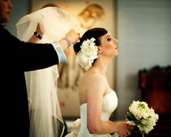 chicago - real wedding - elysian hotel - photography by: kevin weinstein