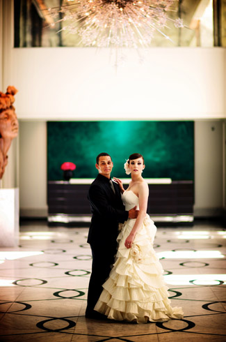 photos by: kevin weinstein - chicago - real wedding - elysian hotel