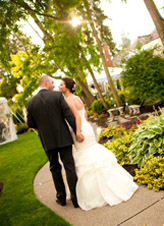 Laurel Creek Manor Weddings - charming Pacific Northwest reception site