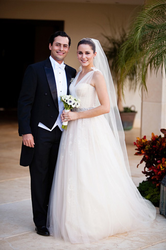 Rosannette and Arturo's Real Wedding photographed by Elizabeth Medina