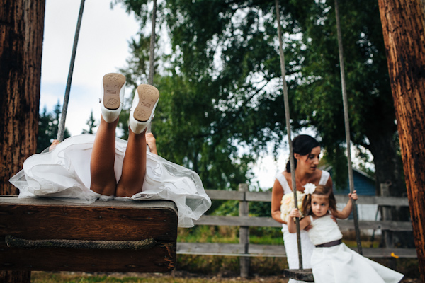 casual rustic wedding in Kent, Washington with photos by ANZA foto + film