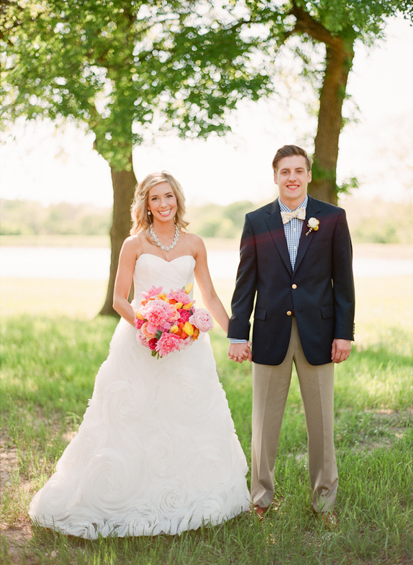 cheerful texas wedding by lavender joy weddings with photos by taylor lord photography via junebugweddings
