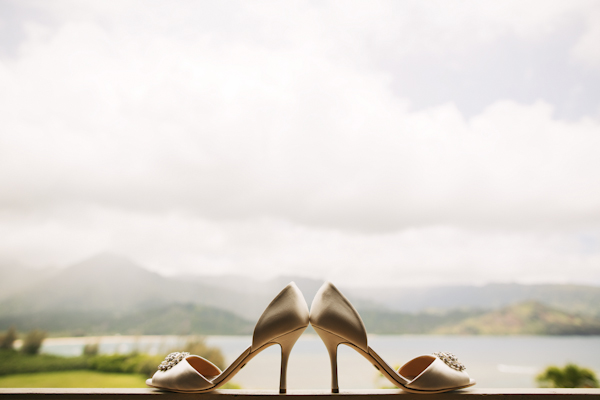 indian american wedding in Hawaii, photos by Anna Kim Photography | via junebugweddings.com