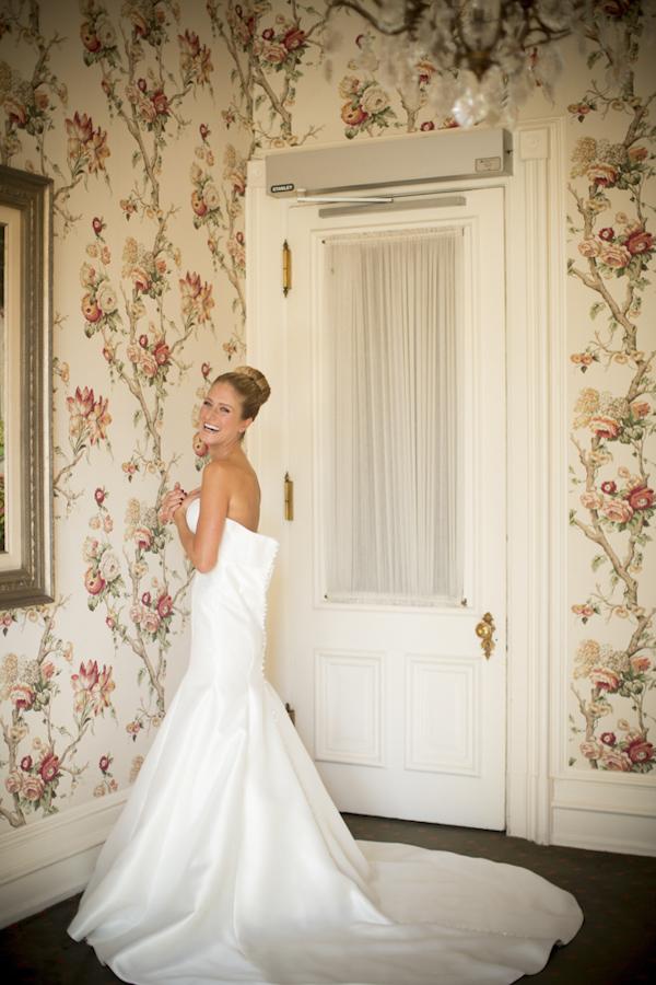 Elegant Milwaukee Wedding At The Wisconsin Club Junebug