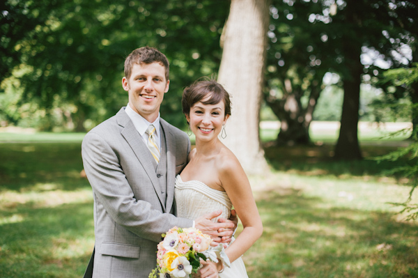 laid-back summer wedding with photos by Amanda Marie Studios | via junebugweddings.com