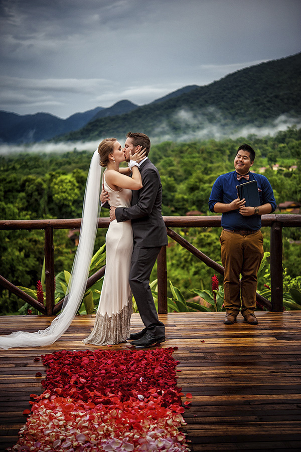 Intimate Destination Wedding In Costa Rica Photos By Davina And Daniel Via Junebugweddings