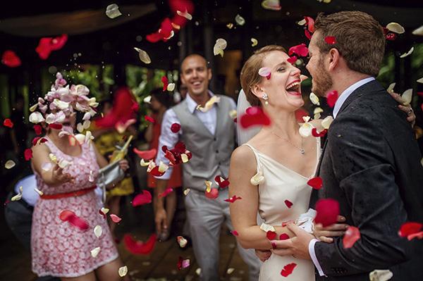 intimate destination wedding in Costa Rica, photos by Davina and Daniel | via junebugweddings.com