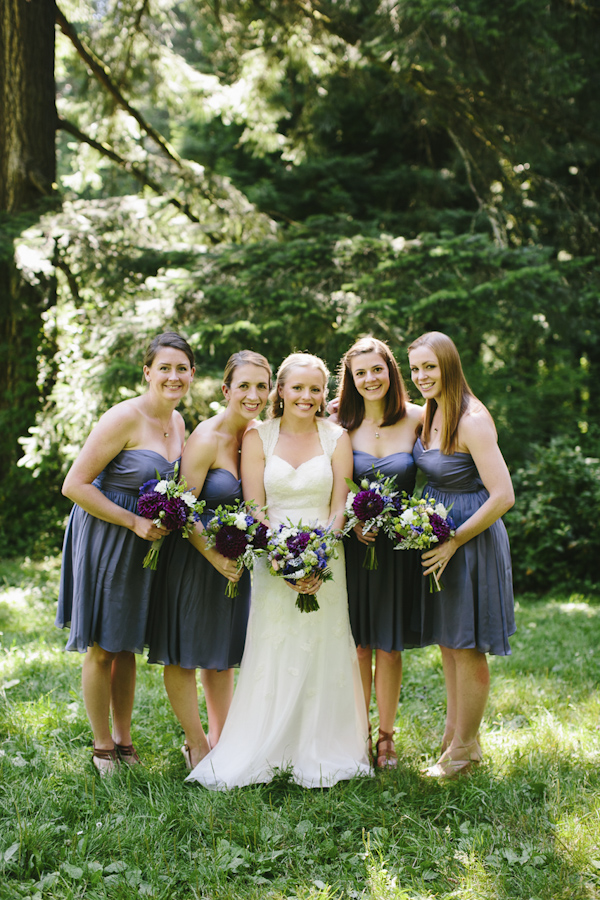 natural, outdoors wedding in Portland, Oregon at Hoyt Arboretum, wedding photo by Aaron Courter Photography | via junebugweddings.com