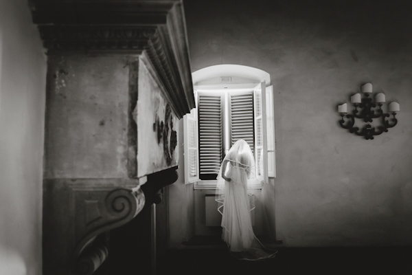 getting ready wedding photo by Alessio Quartaroli of Studio A+Q | via junebugweddings.com