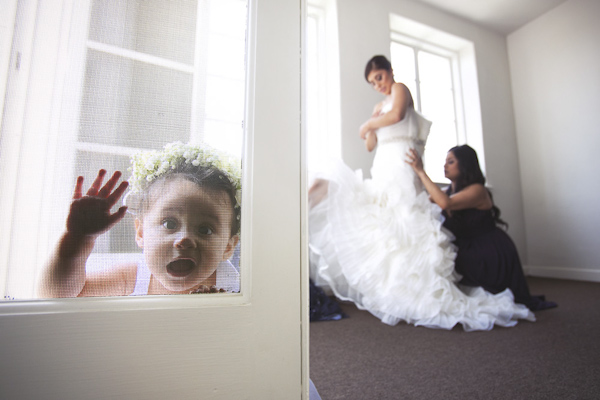 hilarious wedding photo by Allison Callaway of Callaway Gable | via junebugweddings.com