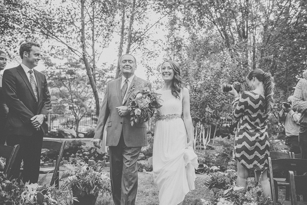 autumnal backyard wedding in Granite Bay, California with photos by Kris Holland Photography | junebugweddings.com (28)