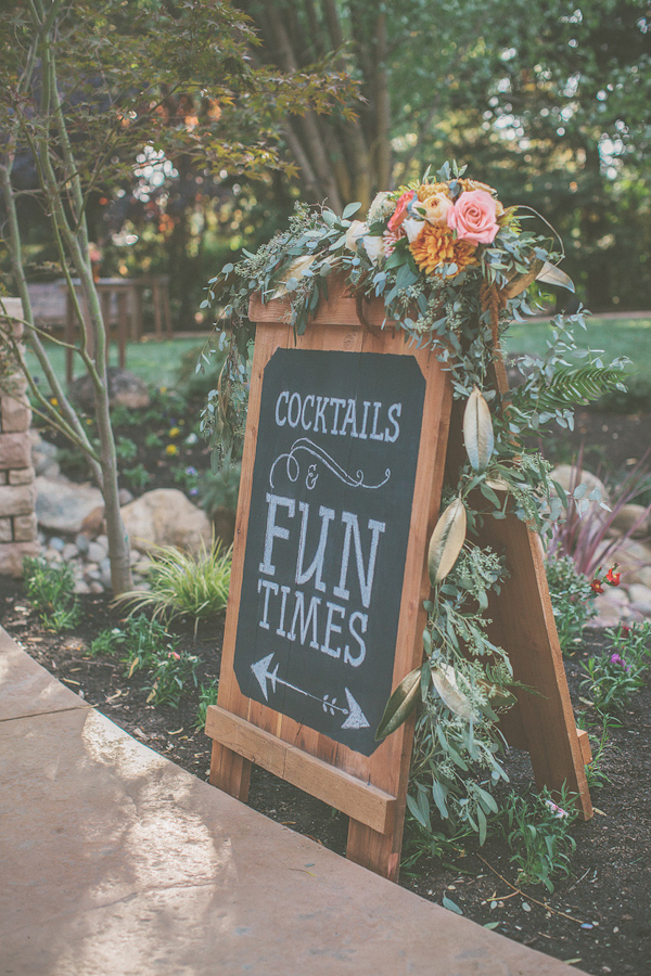 autumnal backyard wedding in Granite Bay, California with photos by Kris Holland Photography | junebugweddings.com (18)