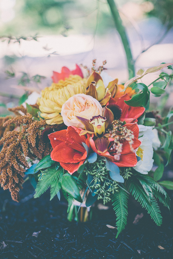 autumnal backyard wedding in Granite Bay, California with photos by Kris Holland Photography | junebugweddings.com (43)
