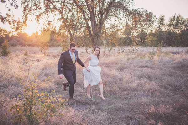 autumnal backyard wedding in Granite Bay, California with photos by Kris Holland Photography | junebugweddings.com (3)
