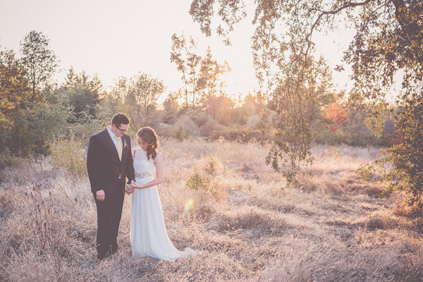 autumnal backyard wedding in Granite Bay, California with photos by Kris Holland Photography | junebugweddings.com (2)