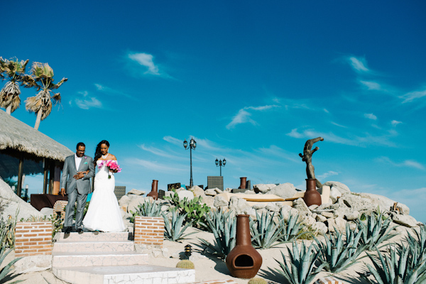 Cinco de Mayo destination wedding in Cabos San Lucas with photos by Jillian Mitchell | via junebugweddings.com (28)