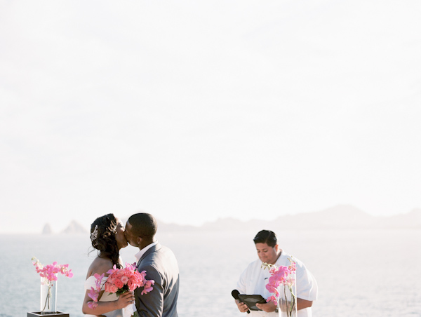 Cinco de Mayo destination wedding in Cabos San Lucas with photos by Jillian Mitchell | via junebugweddings.com (23)