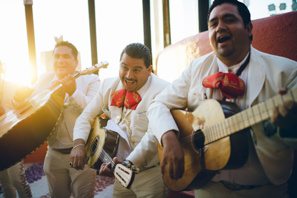 Cinco de Mayo destination wedding in Cabos San Lucas with photos by Jillian Mitchell | via junebugweddings.com (10)