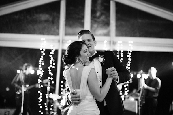 navy and pink garden wedding in Ohio, photo by Ely Brothers | via junebugweddings.com