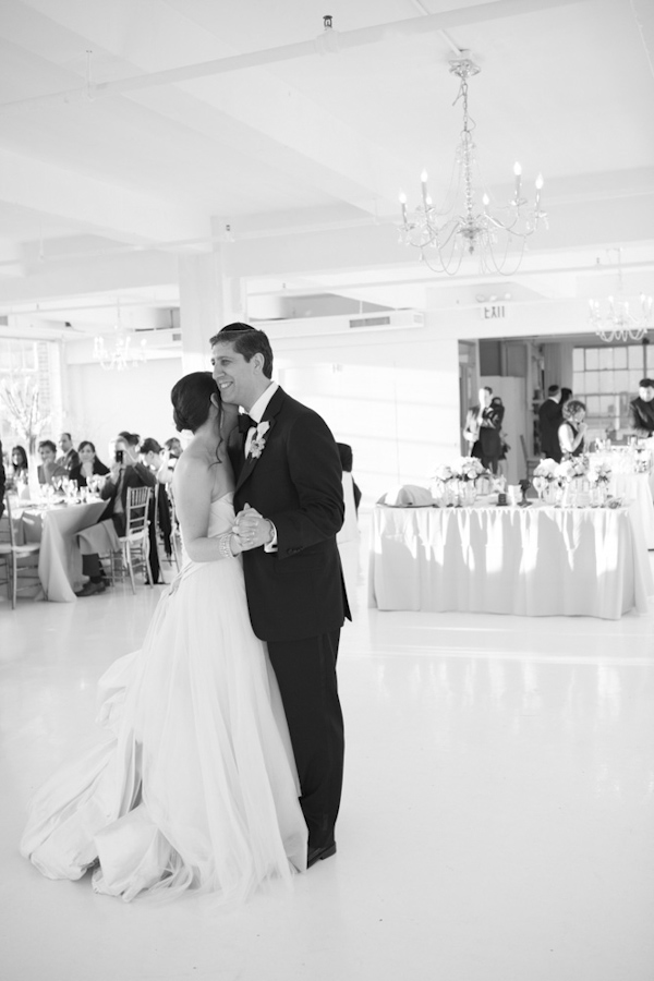 elegant wedding at Studio450 in New York, photo by Karen Hill Photography | via junebugweddings.com