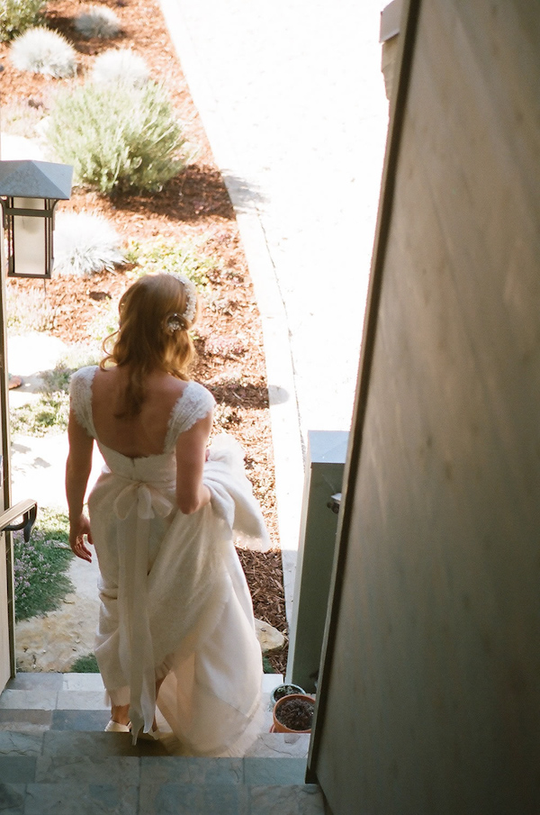 coral and teal California wedding from XOXO Bride with photos by Raya Carlisle | via junebugweddings.com (27)