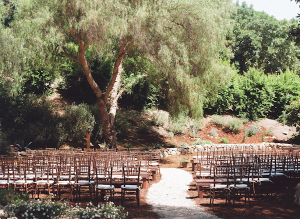 coral and teal California wedding from XOXO Bride with photos by Raya Carlisle | via junebugweddings.com (22)