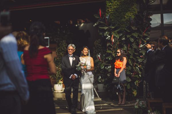 vibrant urban wedding in Los Angeles with photos by Jeff Newsom | via junebugweddings.com (24)