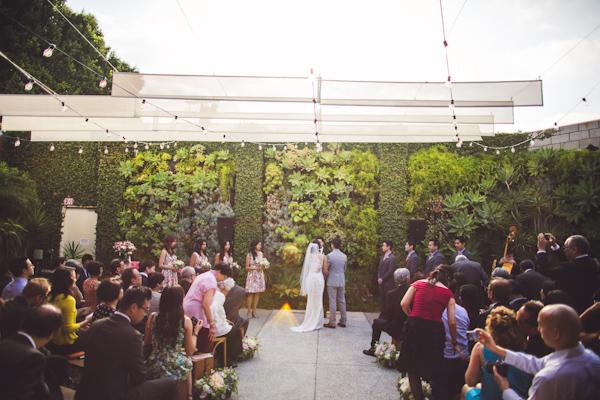 vibrant urban wedding in Los Angeles with photos by Jeff Newsom | via junebugweddings.com (23)