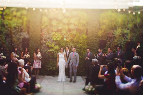 vibrant urban wedding in Los Angeles with photos by Jeff Newsom | via junebugweddings.com (21)