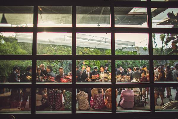 vibrant urban wedding in Los Angeles with photos by Jeff Newsom | via junebugweddings.com (15)