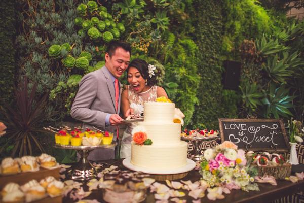 vibrant urban wedding in Los Angeles with photos by Jeff Newsom | via junebugweddings.com (4)