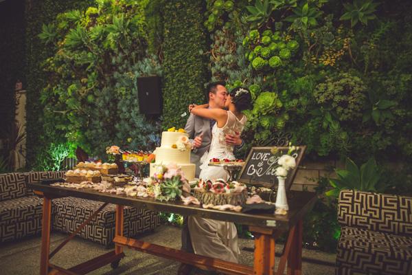vibrant urban wedding in Los Angeles with photos by Jeff Newsom | via junebugweddings.com (2)