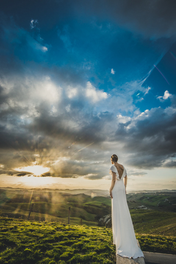 picturesque elopement in Tuscany with photography by Roberto Panciatici | via junebugweddings.com (11)