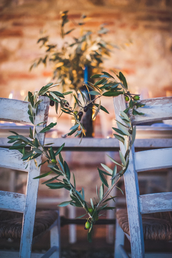 picturesque elopement in Tuscany with photography by Roberto Panciatici | via junebugweddings.com (5)