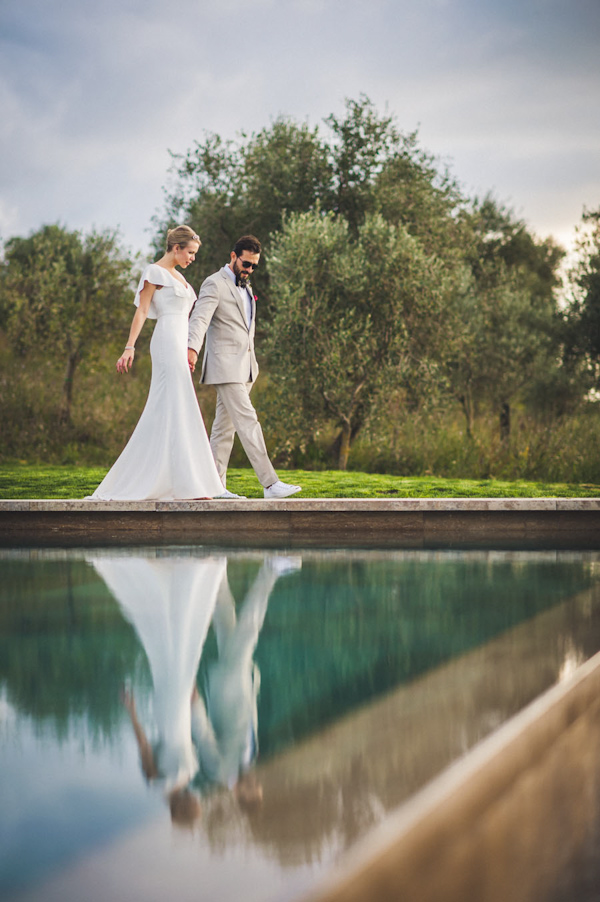 picturesque elopement in Tuscany with photography by Roberto Panciatici | via junebugweddings.com (24)