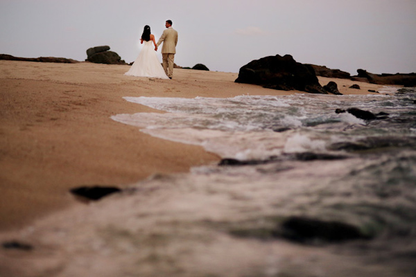 destination wedding in Cabo with photos by Chris + Lynn Photographers | via junebugweddings.com