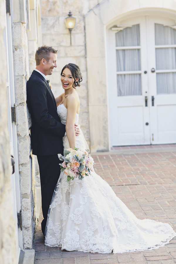 Traditional and Timeless Bridal Style | Junebug Weddings