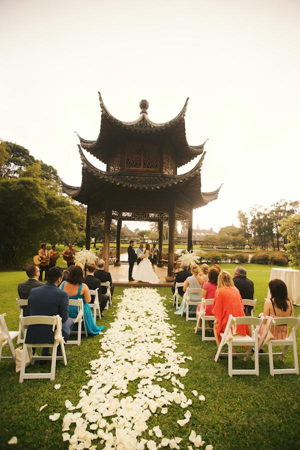 hawaii destination wedding on lanai island with photos by anna kim photography via junebugweddings