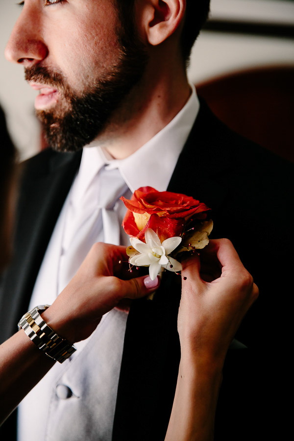 fall wedding at Hotel Ella in Austin, Texas with photos by Caroline + Ben Photography | via junebugweddings.com (21)