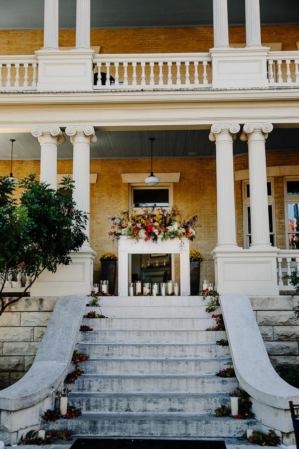 fall wedding at Hotel Ella in Austin, Texas with photos by Caroline + Ben Photography | via junebugweddings.com (18)