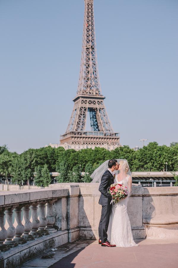 Intimate Destination Wedding In Paris Photo By Ophelia And Romeo Photographers Via Junebugweddings
